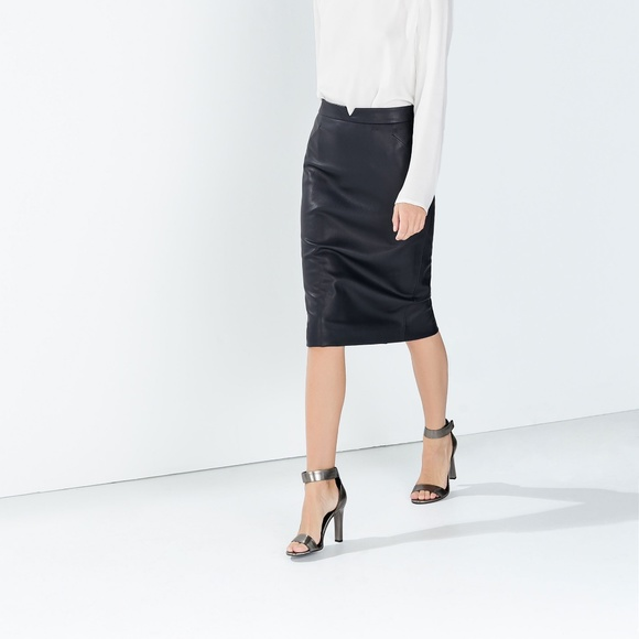 🆕 Zara Black Faux Leather Pencil Skirt